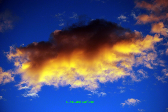 Esta nube fotografiada ayer por Juan Carlos, no SÍGUENOS TAMBIÉN EN FACEBOOK