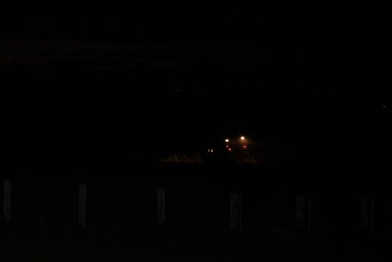 Una de las primeras cosas que me llamó la atención cuando fuimos a vivir al campo, es que los tractores trabajaran de noche.  Mónica Fernández-Aceytuno
