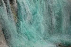 Cascada, como agua clara, de redes en Laxe / Aceytuno