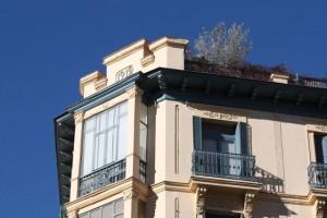 Fachadas de Madrid que me gustan, con sus árboles en la azotea / Aceytuno