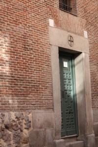 Puerta del convento de las Trinitarias / Aceytuno