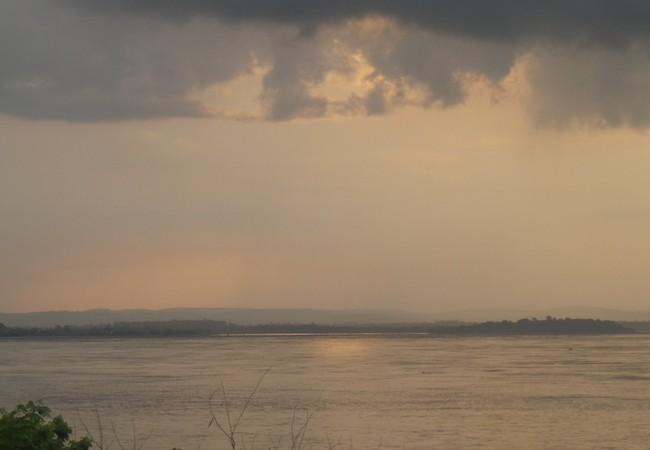 Río Congo desde Kinshasa, al atardecer